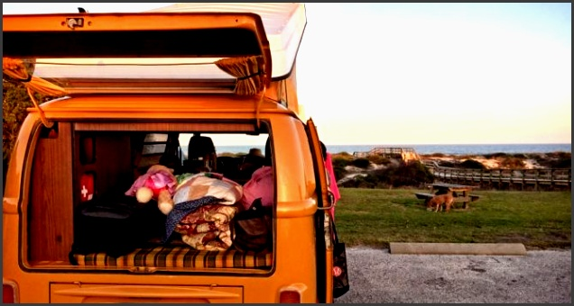 vw camper van takes advantage of beach front camping 670x355